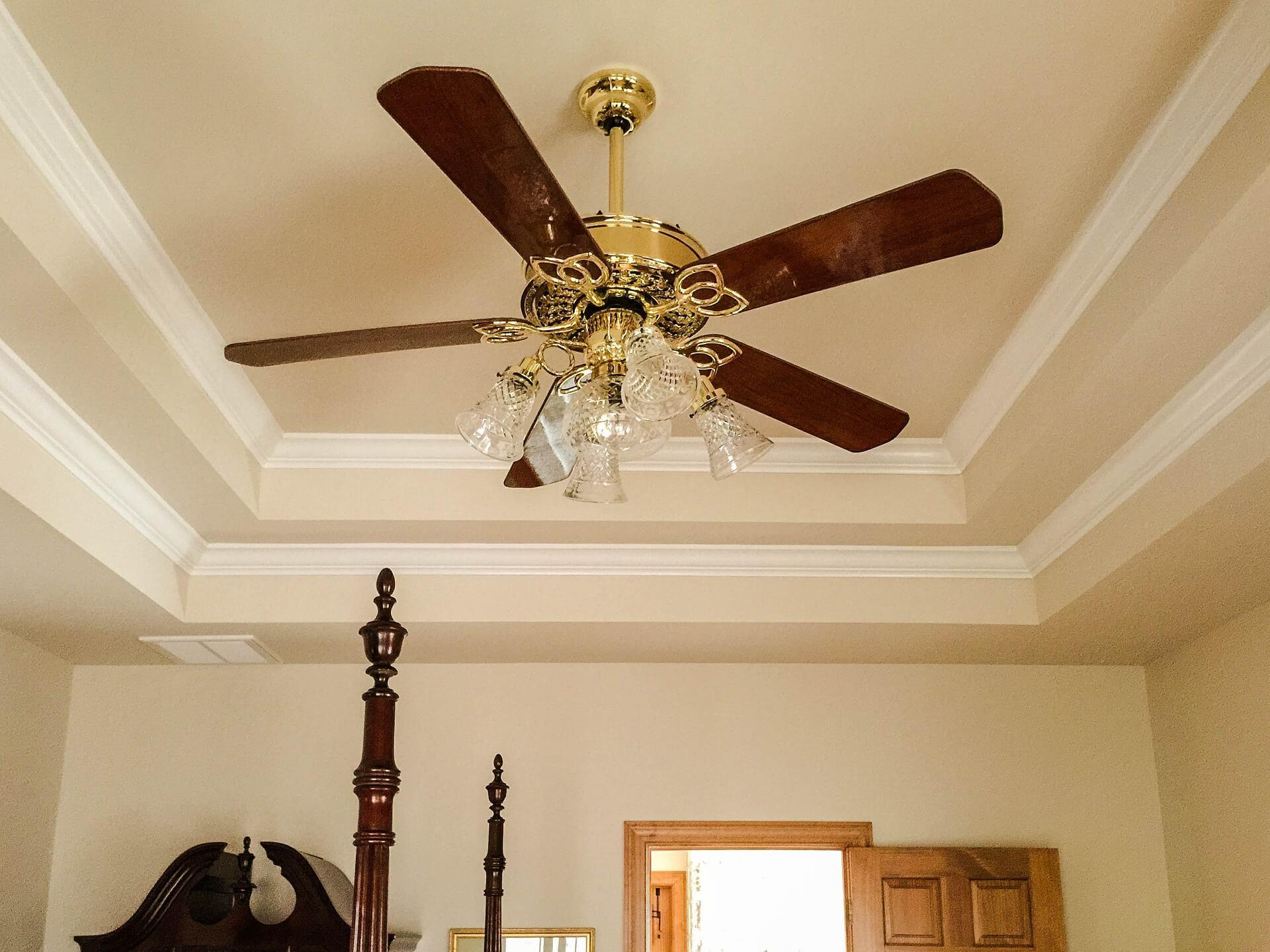 plafondventilator in de woonkamer