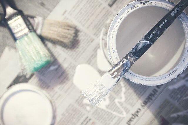 Whitewash verf voor het witten van meubels